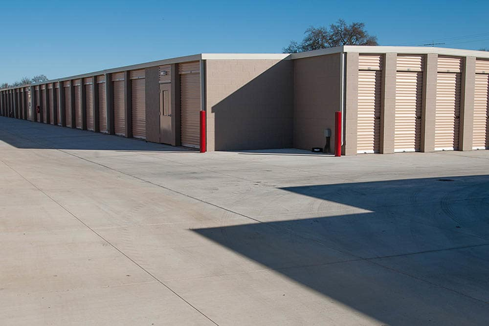 Wide aisles at storage facility in West Sacramento, CA