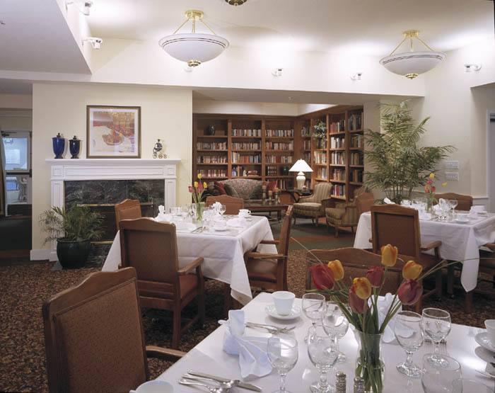 The Terraces at Park Marino beautiful dining room in Pasadena