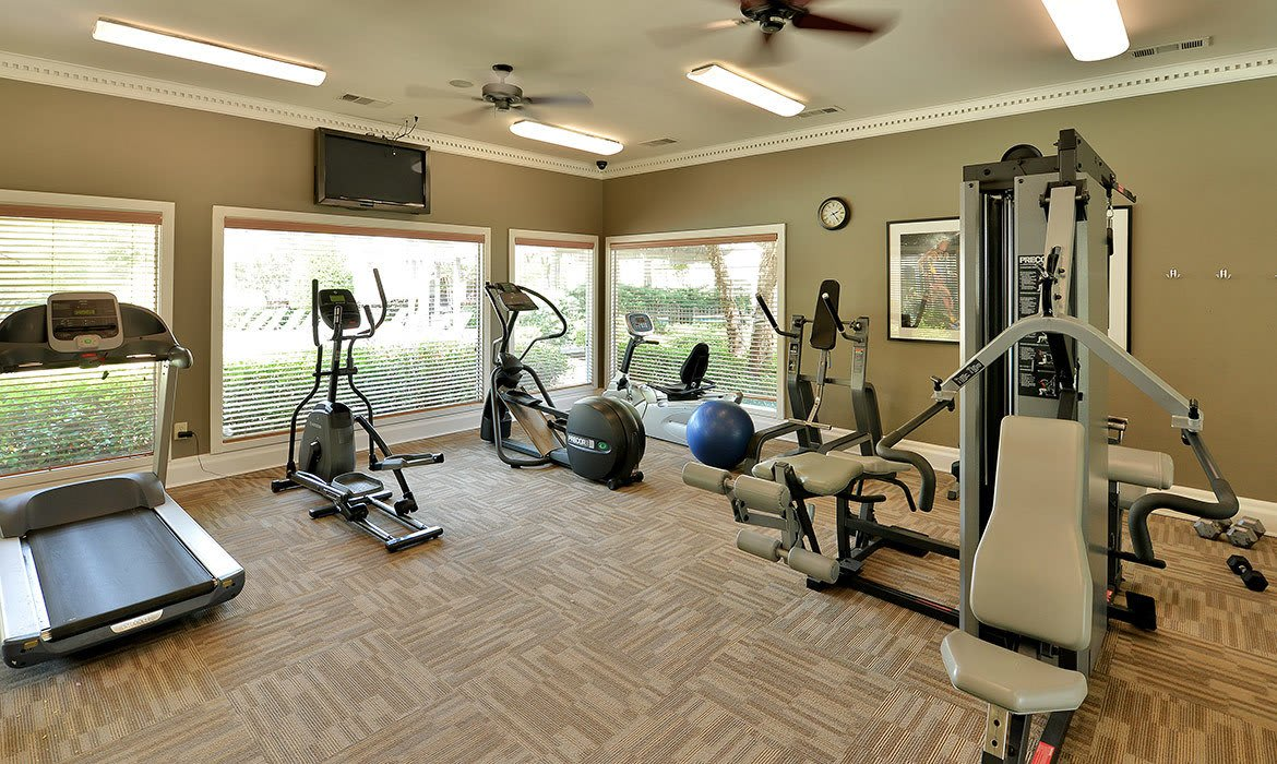 In addition to a fully equipped fitness center, Bentley Place at Willow Bend also has a luxurious clubhouse for relaxing with your new friends and neighbors.