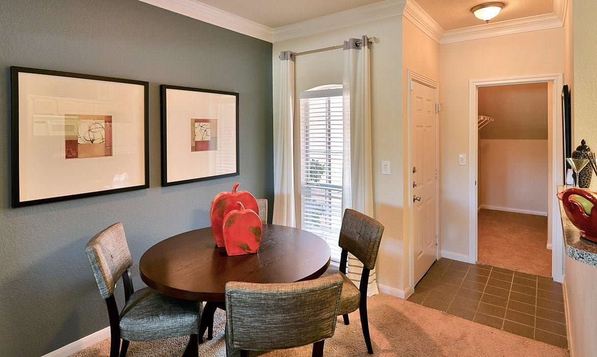 Most of our luxury apartments here at Bentley Place at Willow Bend come with breakfast nooks and more.