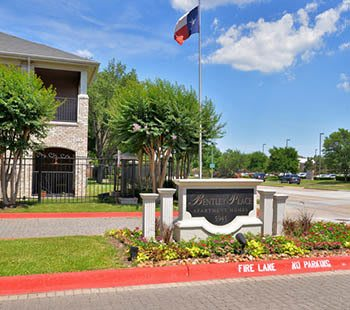 Willow Bend Plano Tx Apartments For Rent Bentley Place At Willow Bend