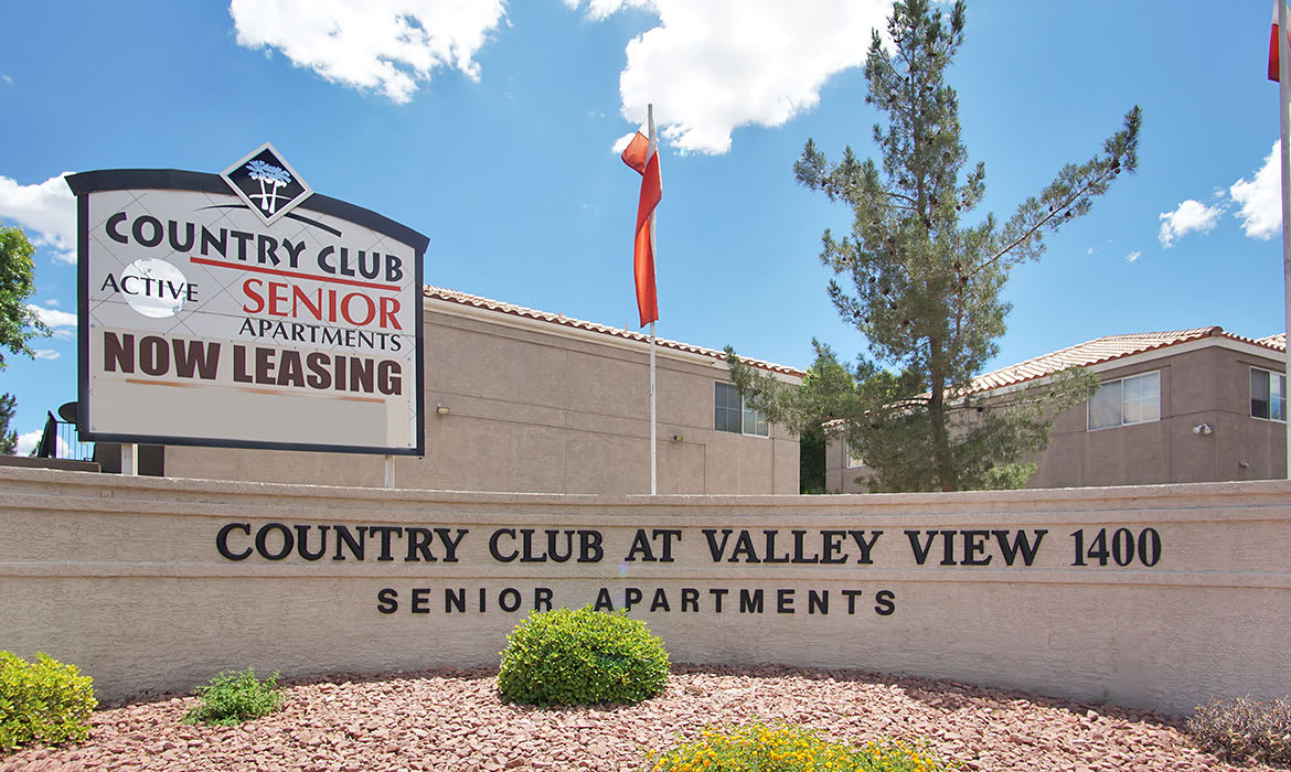 Come home to Country Club at Valley View luxury apartments in Las Vegas.