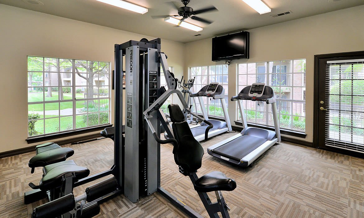 In addition to a fully equipped fitness center, Creekside at Pear Ridge also has a luxurious clubhouse for relaxing with your new friends and neighbors.