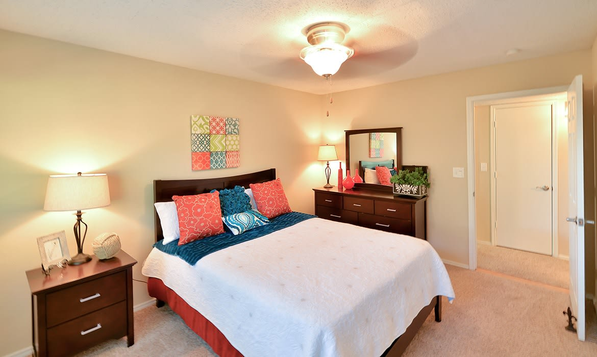 Creekside at Pear Ridge provides the best of luxury apartment living in Dallas!