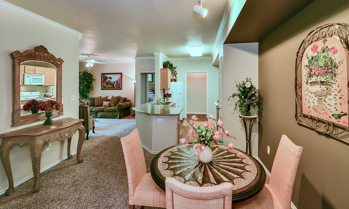 Make your living space your own at Gates de Provence; our spacious luxury apartments have plenty of room here in Dallas.