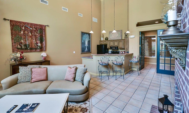 Come home to Gates de Provence luxury apartments in Dallas.
