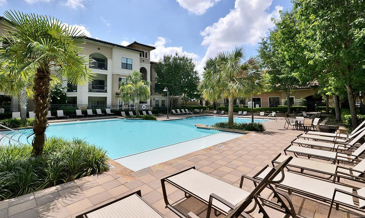Come home to Mission at La Villita luxury apartments in Irving.