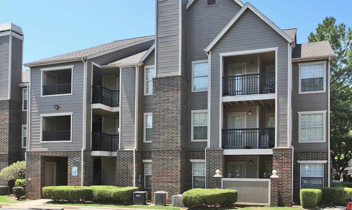 Come home to Riverside Park Apartments luxury apartments in Tulsa.