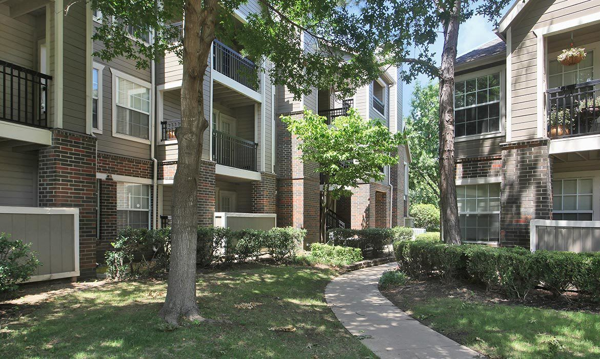 Find out why our residents love living at Riverside Park Apartments; schedule your tour today!