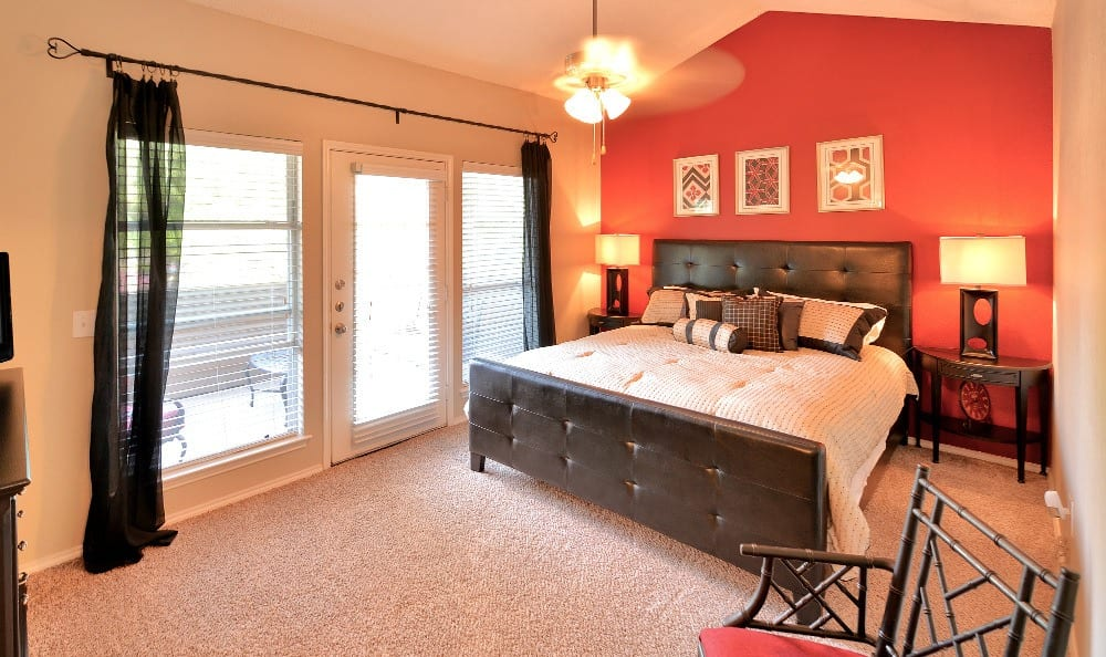 Come home to The Winsted at Valley Ranch luxury apartments in Irving.