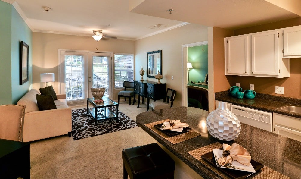Create new memories at our luxury apartments at The Villas at Katy Trail in Uptown.