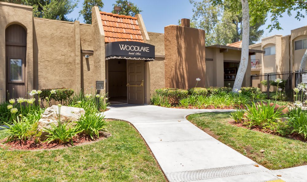 Make your living space your own at Woodlake Apartments; our spacious luxury apartments have plenty of room here in Escondido.