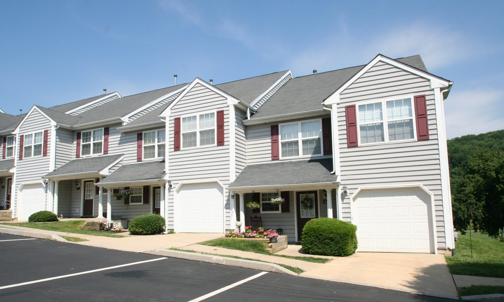 Apartments in The Fairways Apartments and Townhomes in Thorndale, Pennsylvania