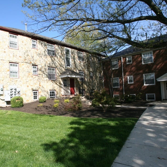 Front of Melrose Station Apartments