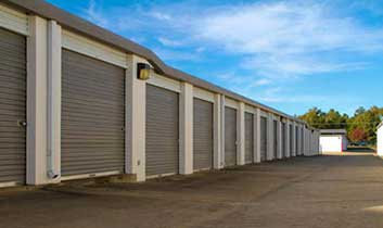 The outdoor units for rent at StorageMax Lakeland