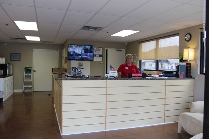 Our friendly staff at StorageMax Gluckstadt are more than happy to help you.