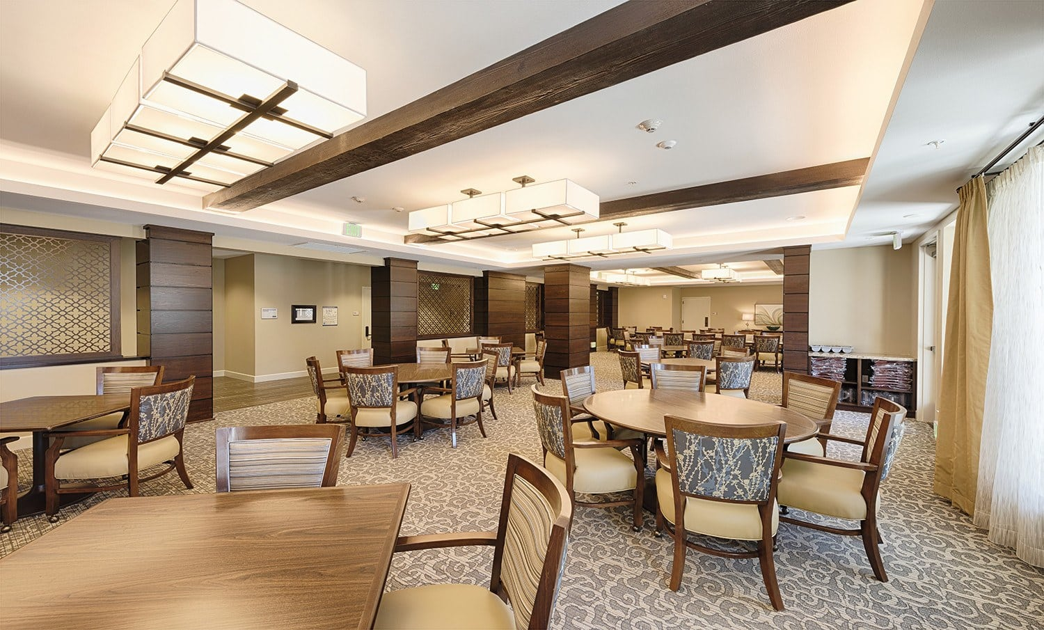 Enjoy a delicious meal in Kingston Bay Senior Living's dining room.