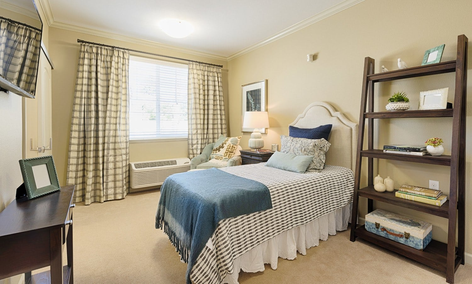 Kingston Bay Senior Living apartment bedroom
