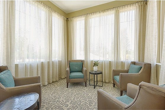 Sun room at Kingston Bay Senior Living in Fresno