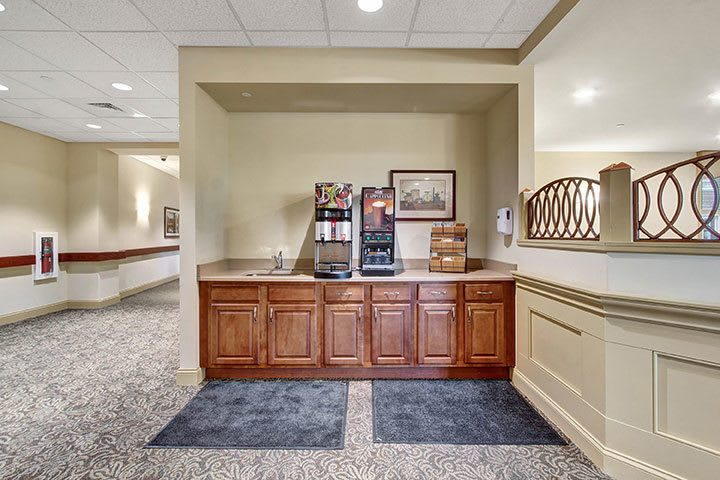 Beverage Service At Our Senior Living Home In Ephrata