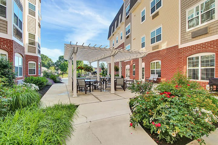 Outdoor Courtyard Seating At Our Senior Living Home In Ephrata