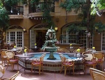 Elegant courtyard dining in Salt Lake City senior living.