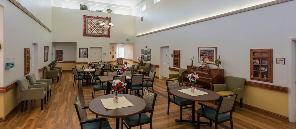 Sandy senior living includes casual dining.