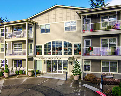 Clean exterior building at the senior living in Troutdale
