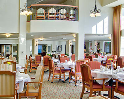 Common dining room at the senior living in Troutdale