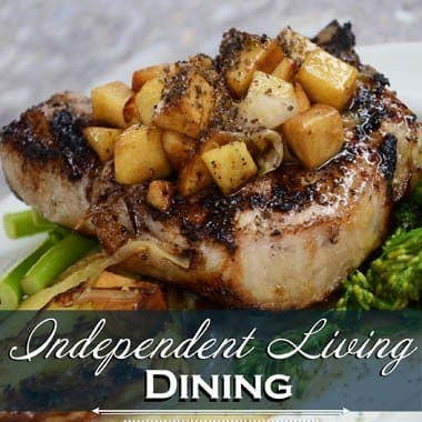 Independent living dining options at Flagstone Senior Living