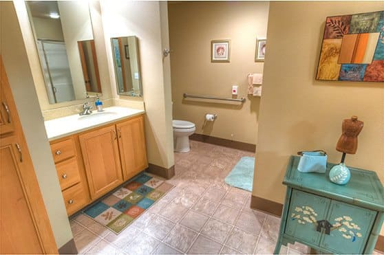 Independent Living apartment bathroom at The Quarry