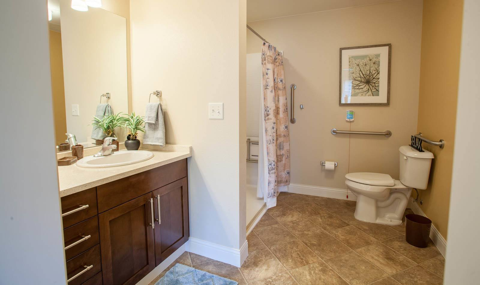 Lakewood Memory Care has spacious bathrooms in Lakewood