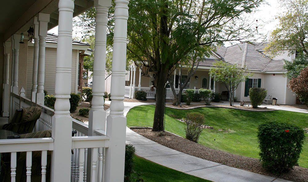 Arbor Rose Senior Care features beautifully landscaped courtyard
