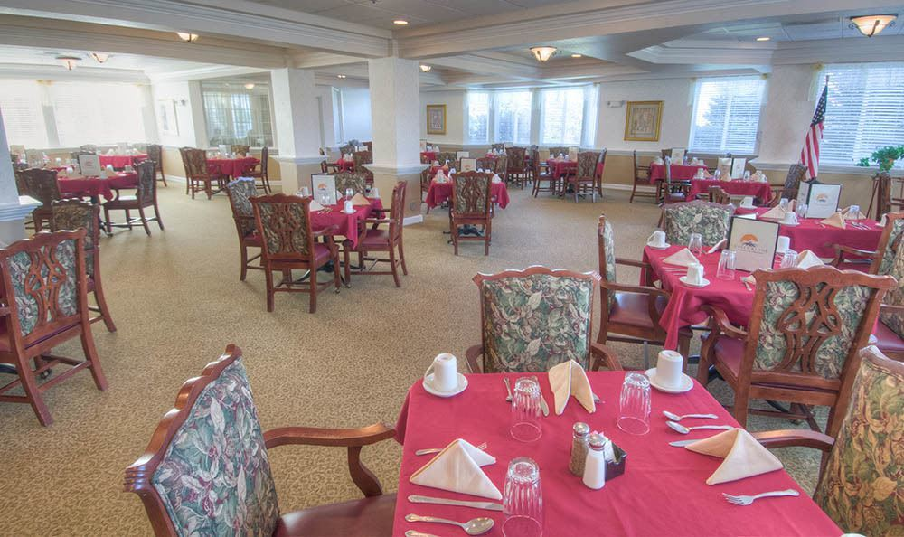 Large Dining Room at Caley Ridge Assisted Living