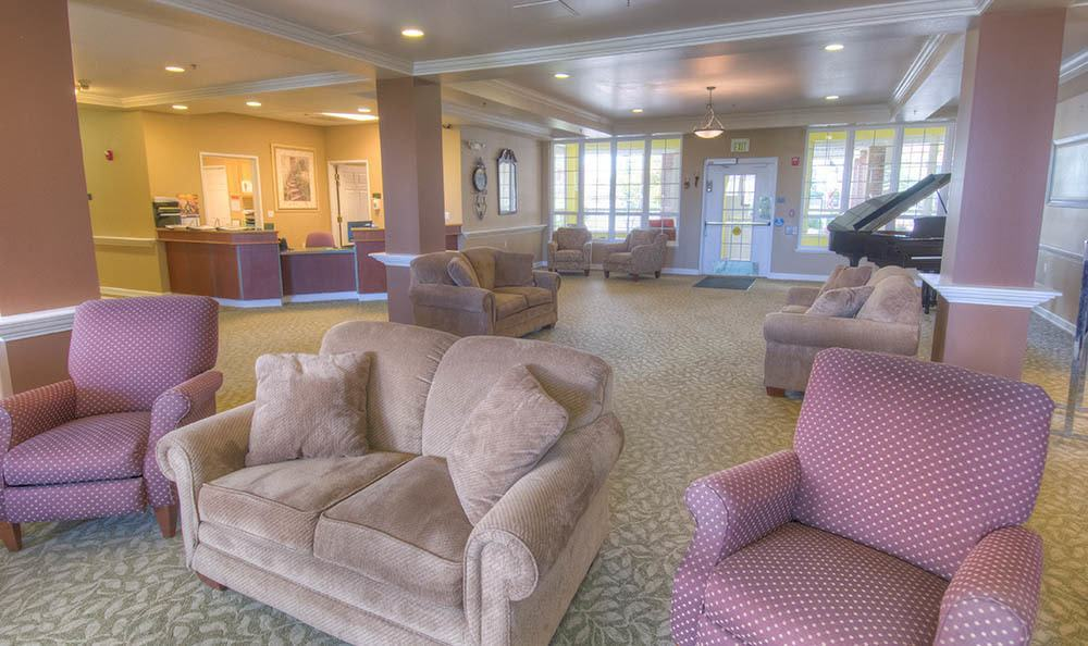 Seating area at Caley Ridge Assisted Living