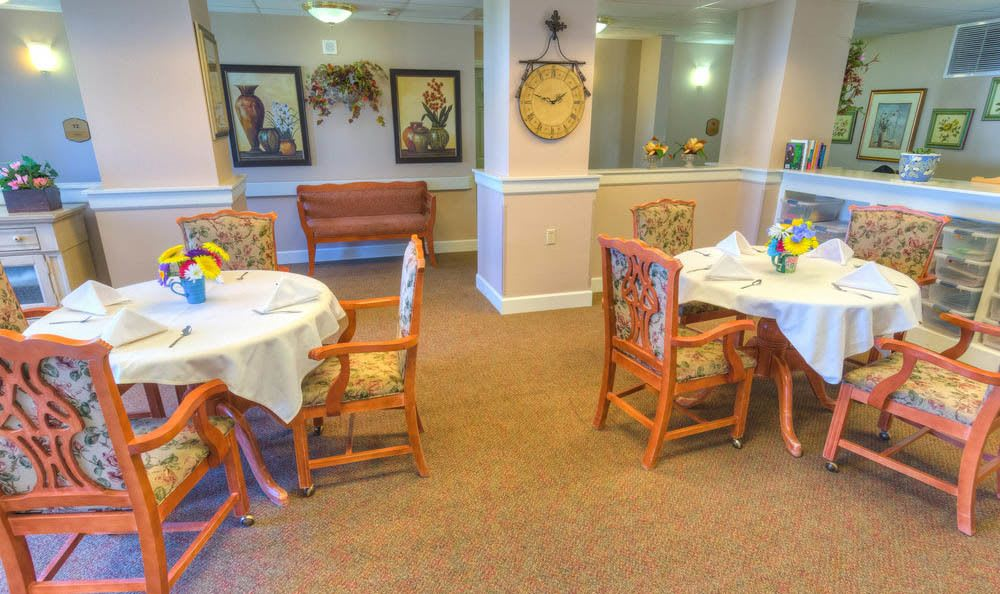 Eagle Lake Village Senior Living large cafe area in Susanville.