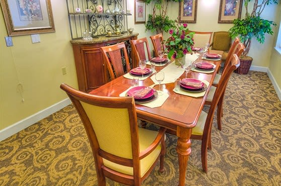 Dining room at Eagle Lake Village Senior Living