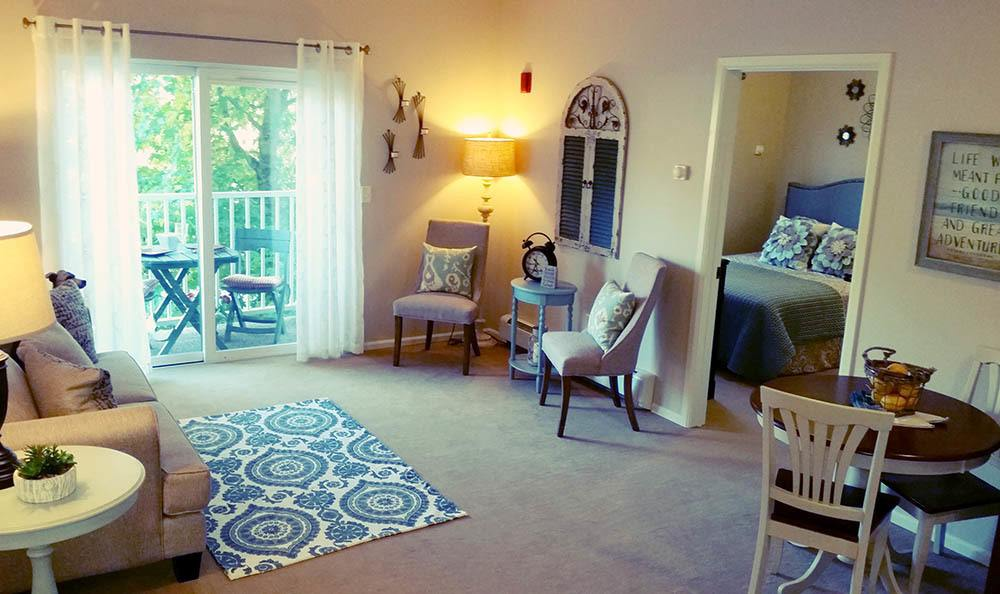 Spacious living room at Harbour Pointe Senior Living.