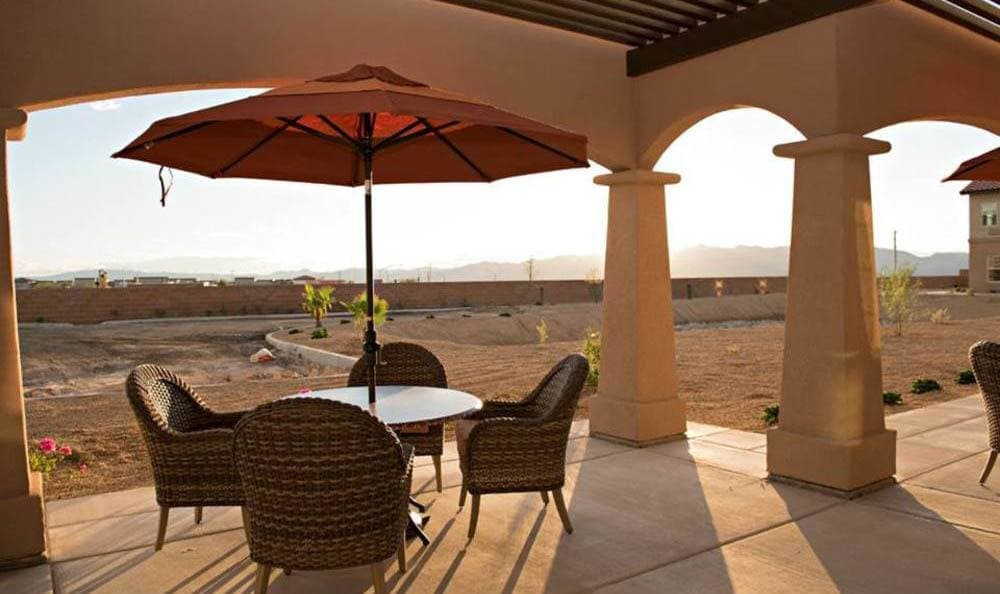 Outdoor seating at Joshua Springs Senior Living in Bullhead City.