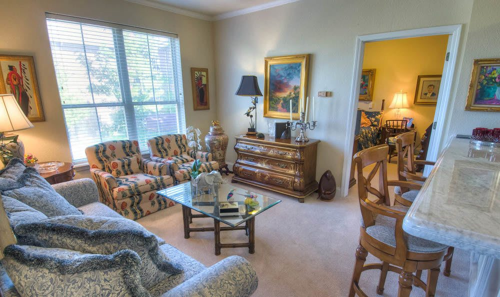 Mansion at Waterford Assisted Living Living Room in Oklahoma City.