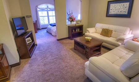 Mansion at Waterford Assisted Living sitting area