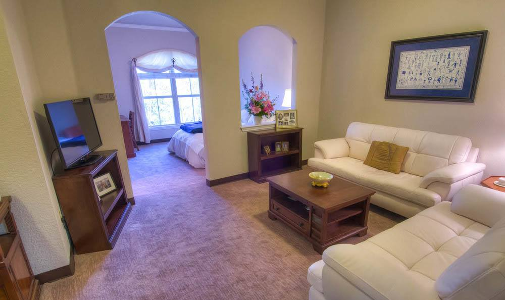 Living Room at Mansion at Waterford Assisted Living in Oklahoma City.