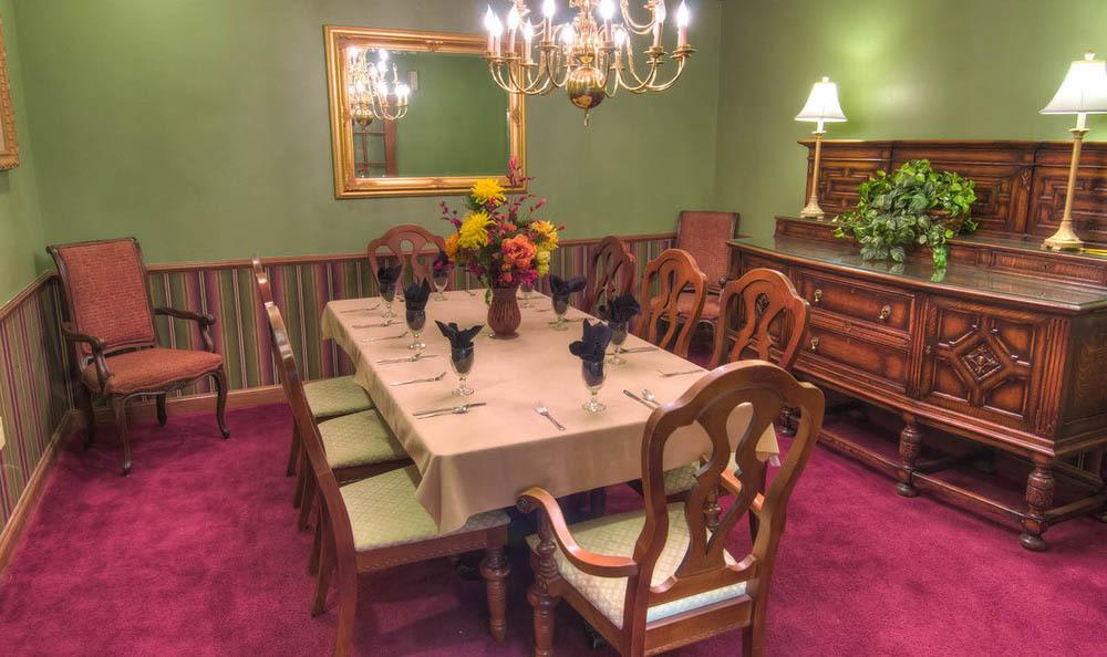 Private dining At Mansion at Waterford Assisted Living in Oklahoma City.