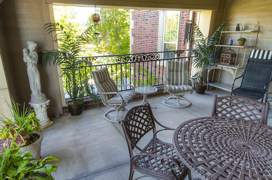 Patio at Mansion at Waterford Assisted Living
