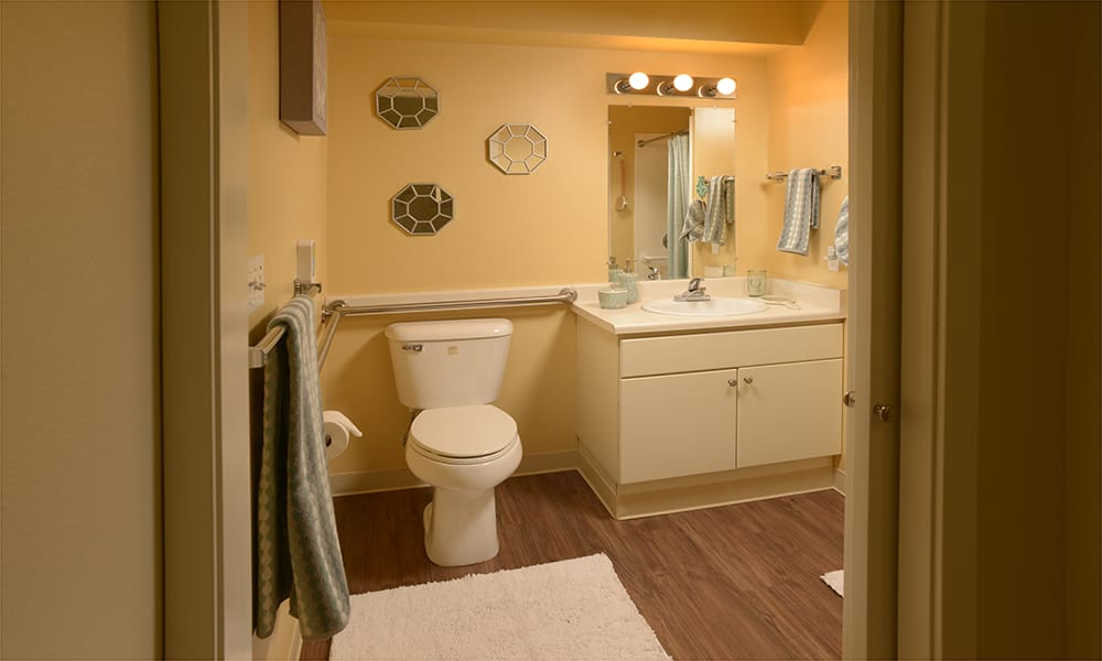 Maple Leaf Assisted Living & Memory Care private bath in Seattle.