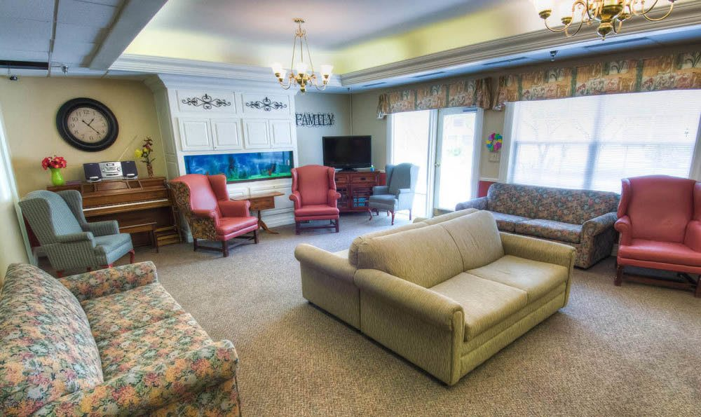 Pheasant Ridge Senior Living community seating area in Roanoke.