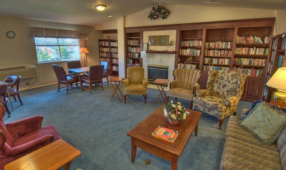 Chandler's Square Retirement Community Community Library Room