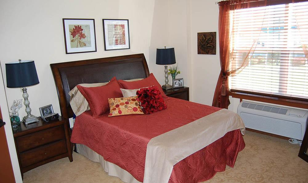 Flagstone Senior Living Bedroom in The Dalles