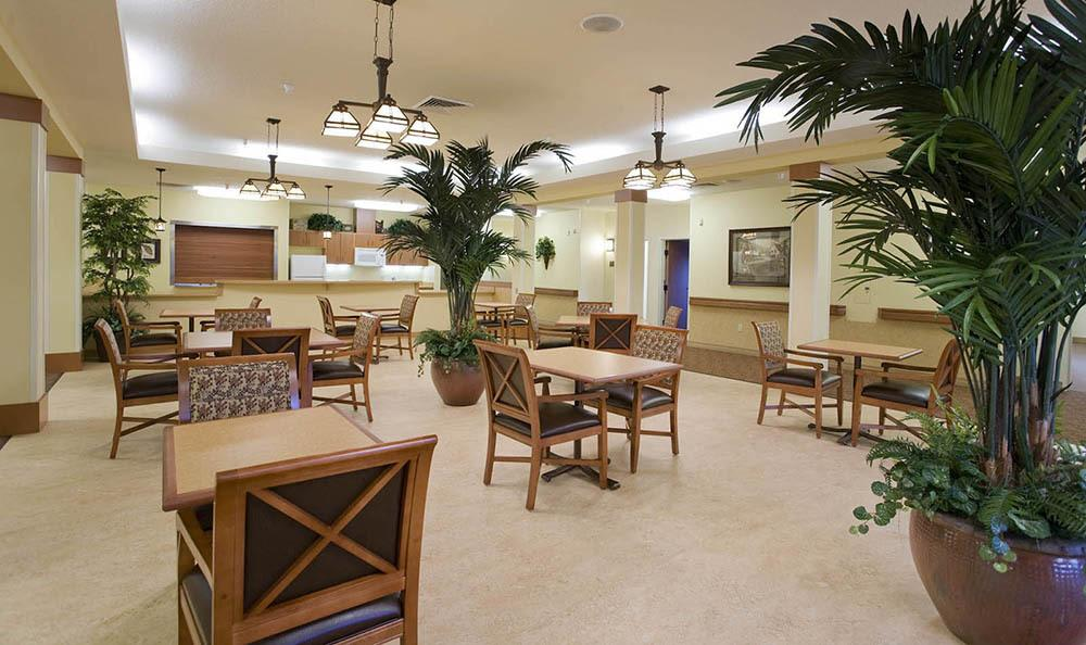 McLoughlin Place Senior Living Dining Tables in Oregon City.