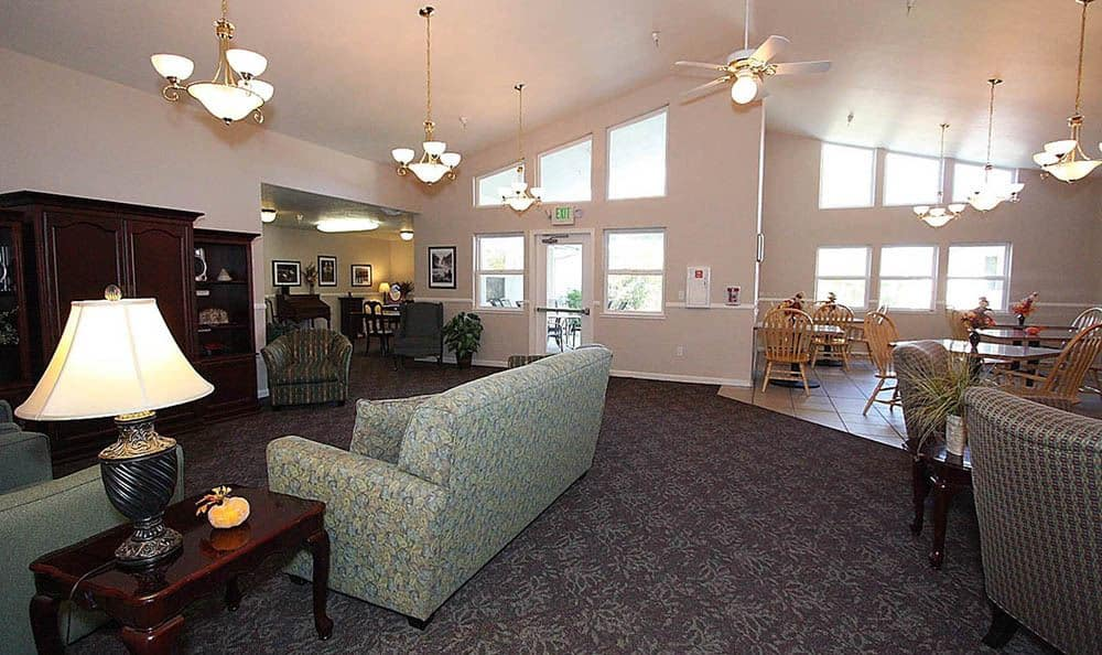 Dining Room and Lounge at Oak Terrace Memory Care